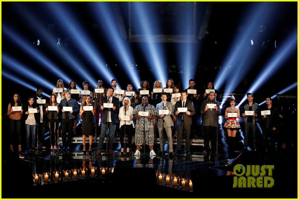 the voice tributes newtown shooting victims with hallelujah 042777847