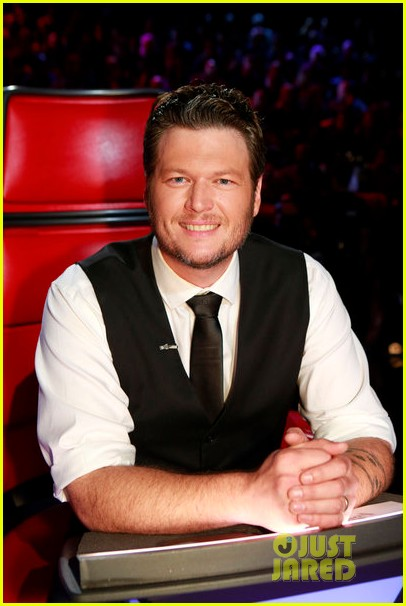 the voice tributes newtown shooting victims with hallelujah 052777848