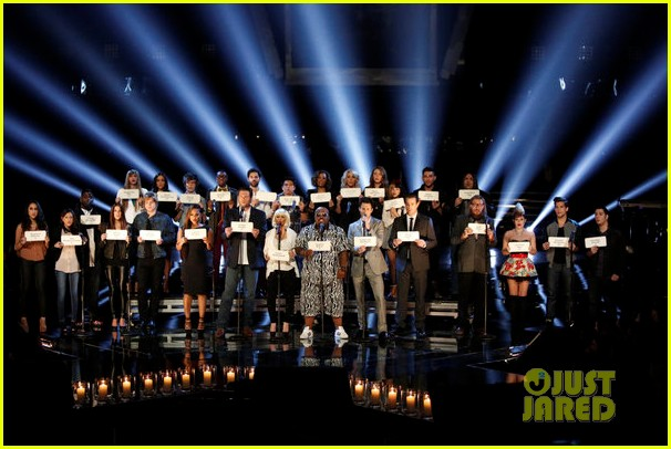 the voice tributes newtown shooting victims with hallelujah 06