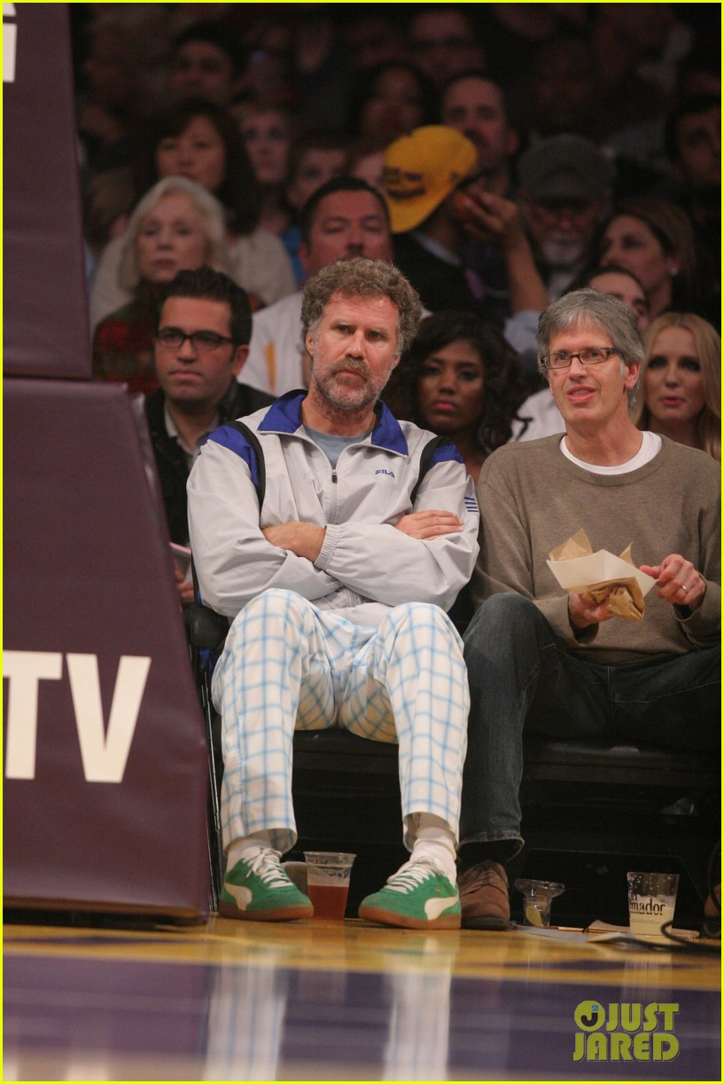 mark wahlberg will ferrell court side laker guys 05