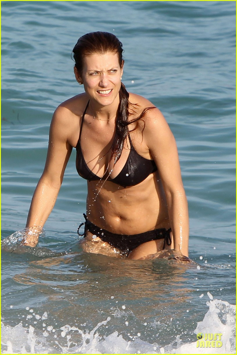 kate walsh bikini babe in miami 042774086