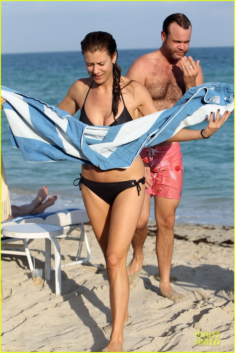 kate walsh bikini babe in miami 052774087