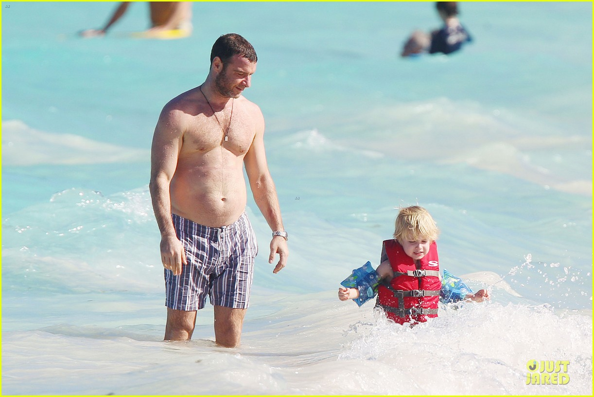 naomi watts st barths beach fun with shirtless liev schreiber 082782759
