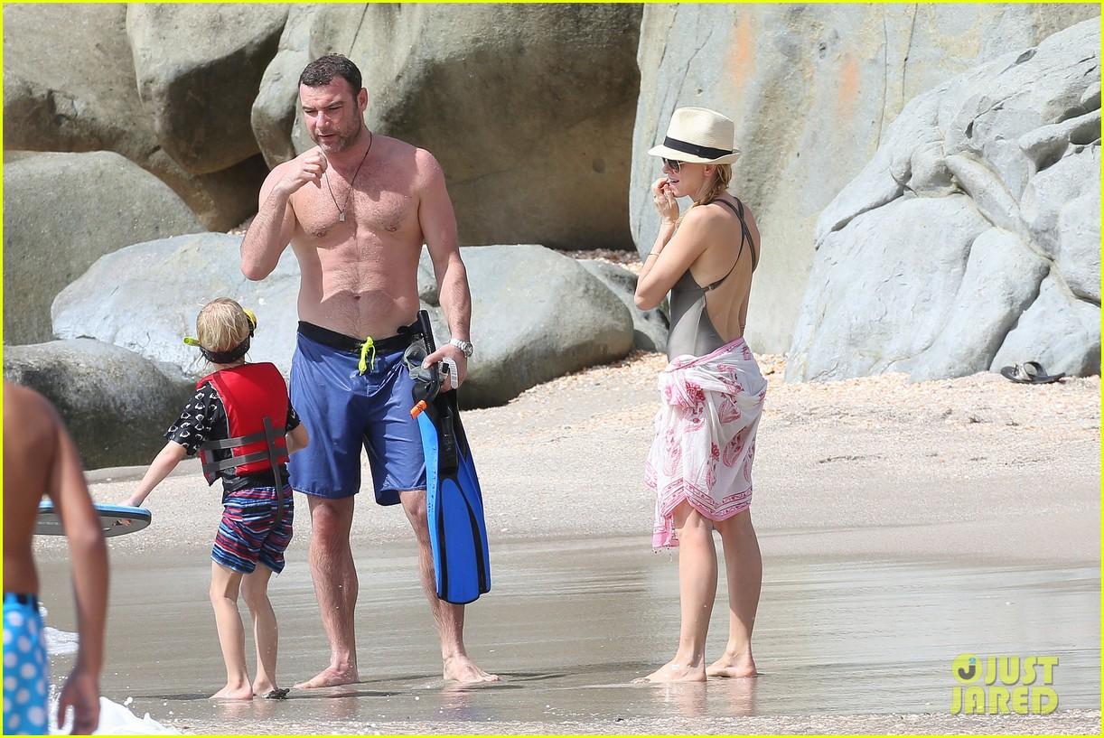 naomi watts shirtless liev schreiber new years eve beach day 102782929