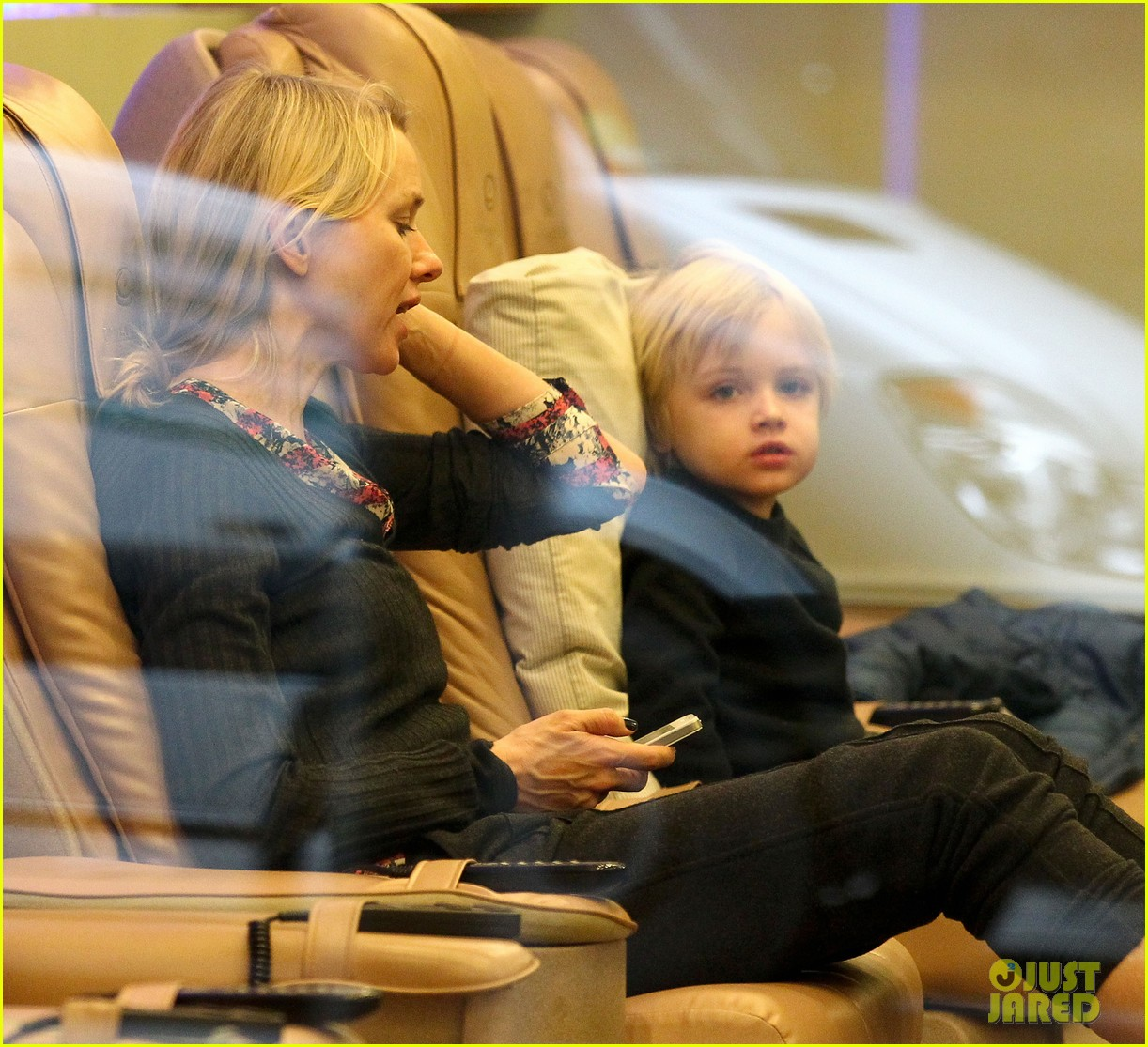 naomi watts samuel mother son pedicures 032778835