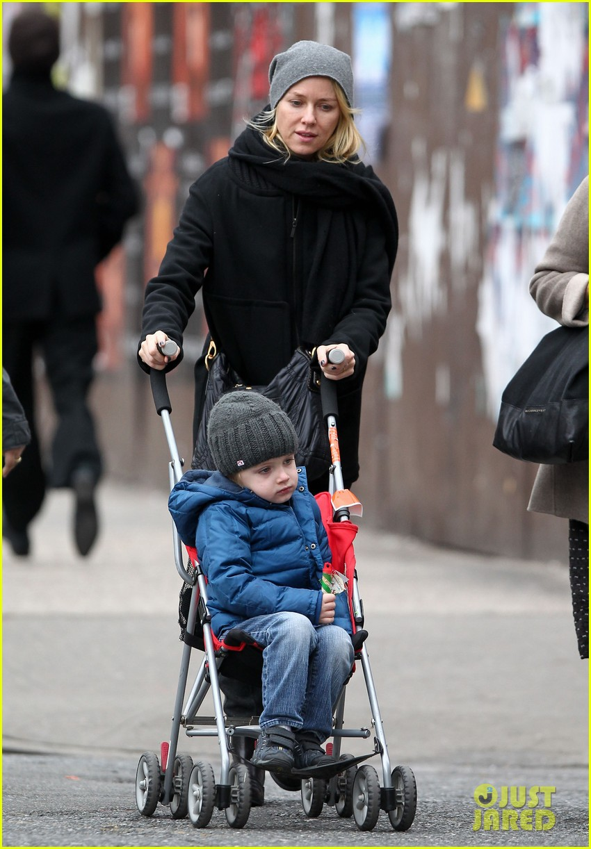 naomi watts samuel mother son pedicures 132778845