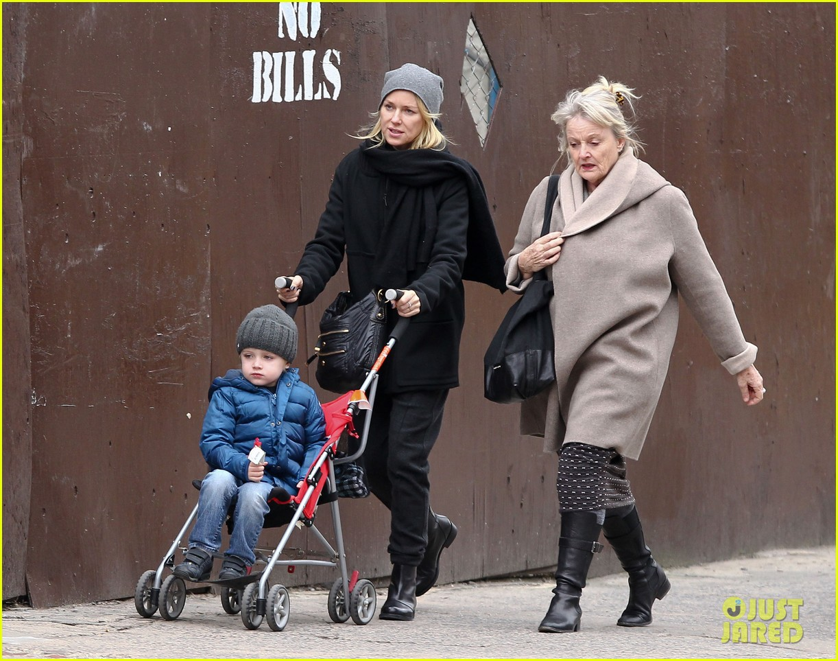 naomi watts samuel mother son pedicures 162778848
