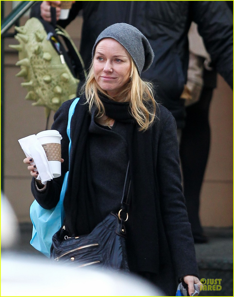naomi watts let out a yelp after hearing golden globes nomination news 082776194