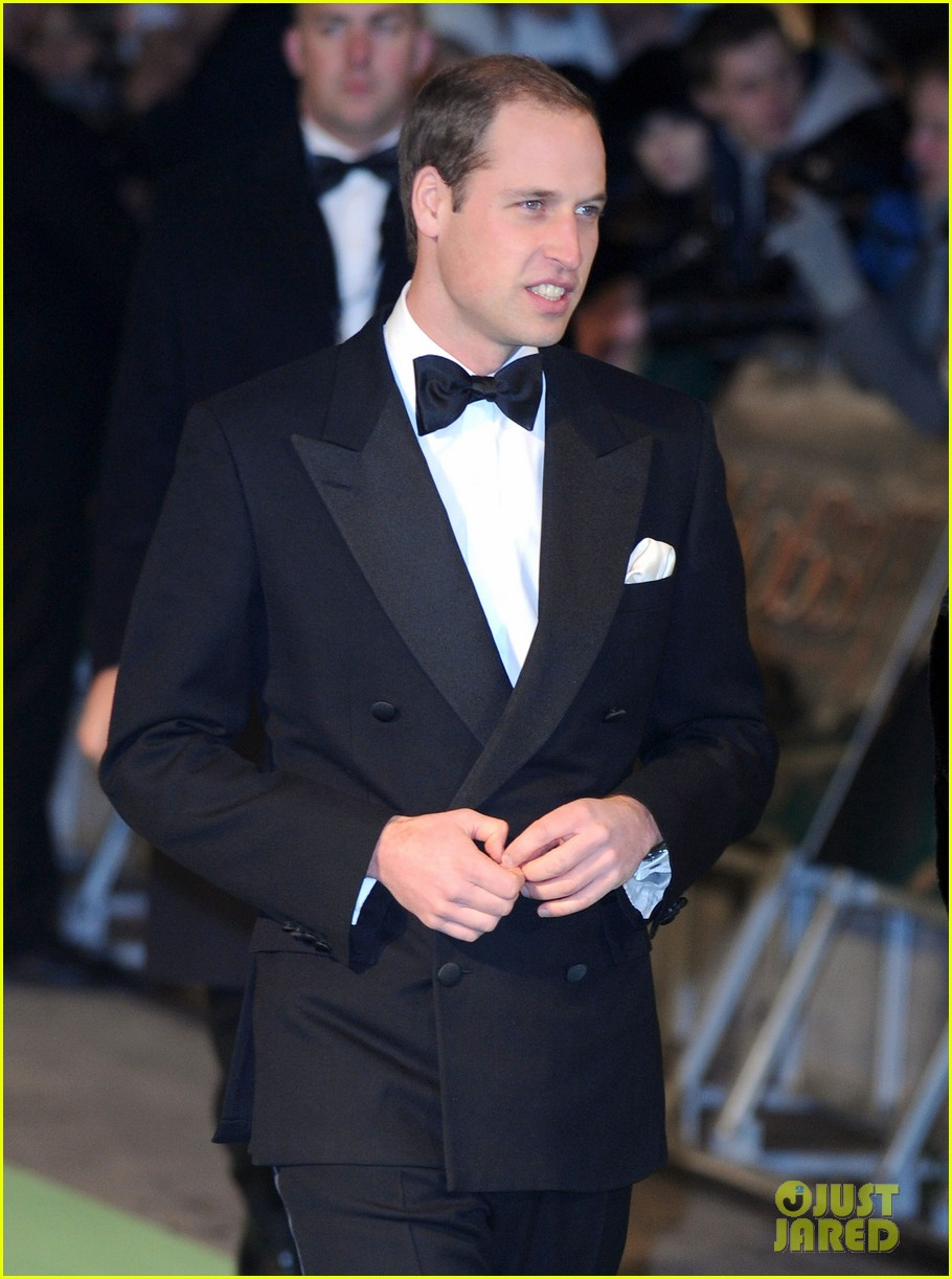 prince william hobbit premiere without kate middleton 032774596