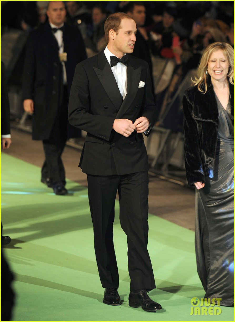 prince william hobbit premiere without kate middleton 072774600