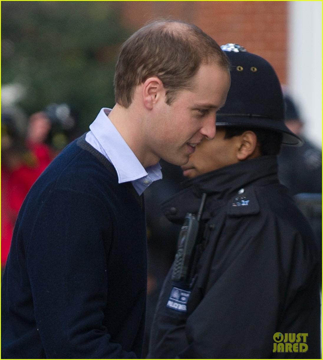 prince william visits hospitalized  pregnant kate middleton 042769601