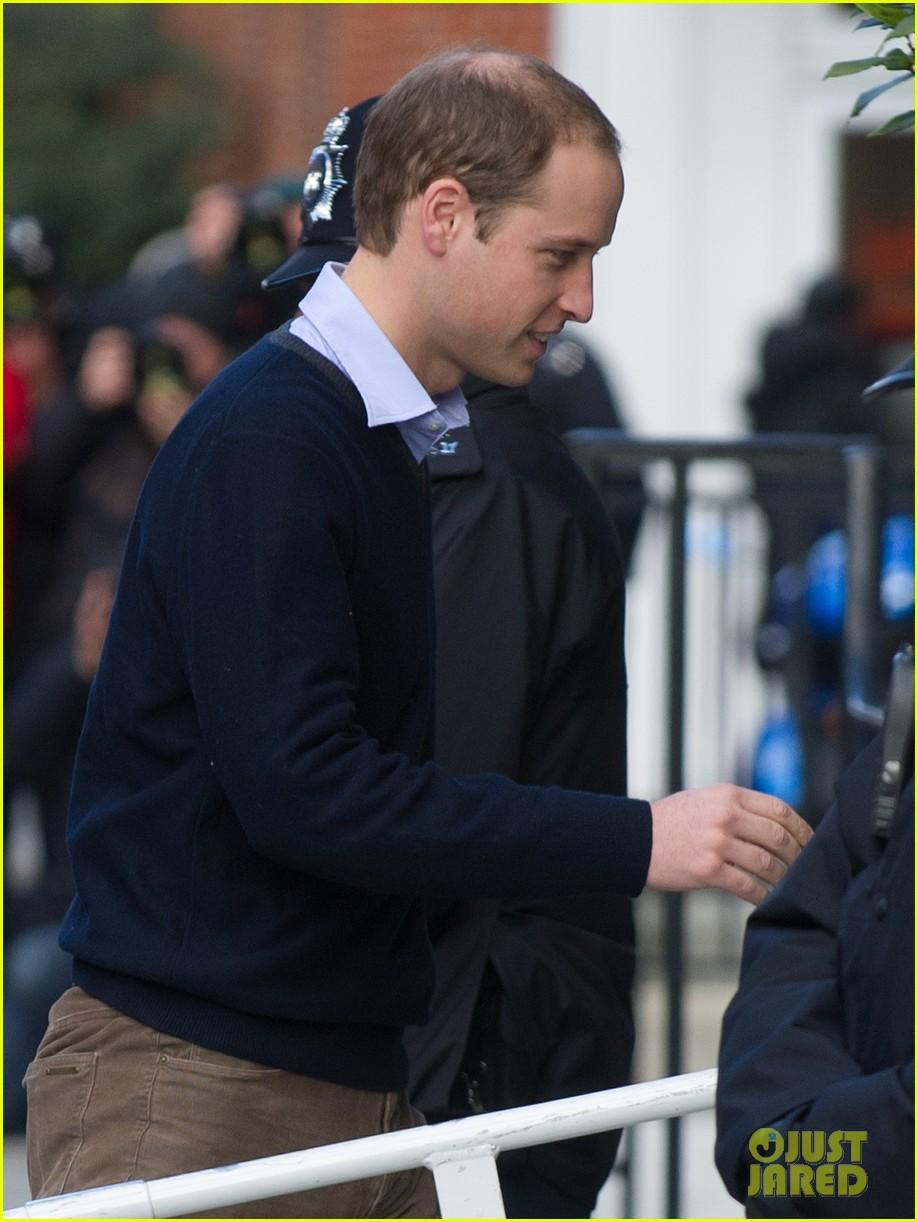 prince william visits hospitalized  pregnant kate middleton 082769605