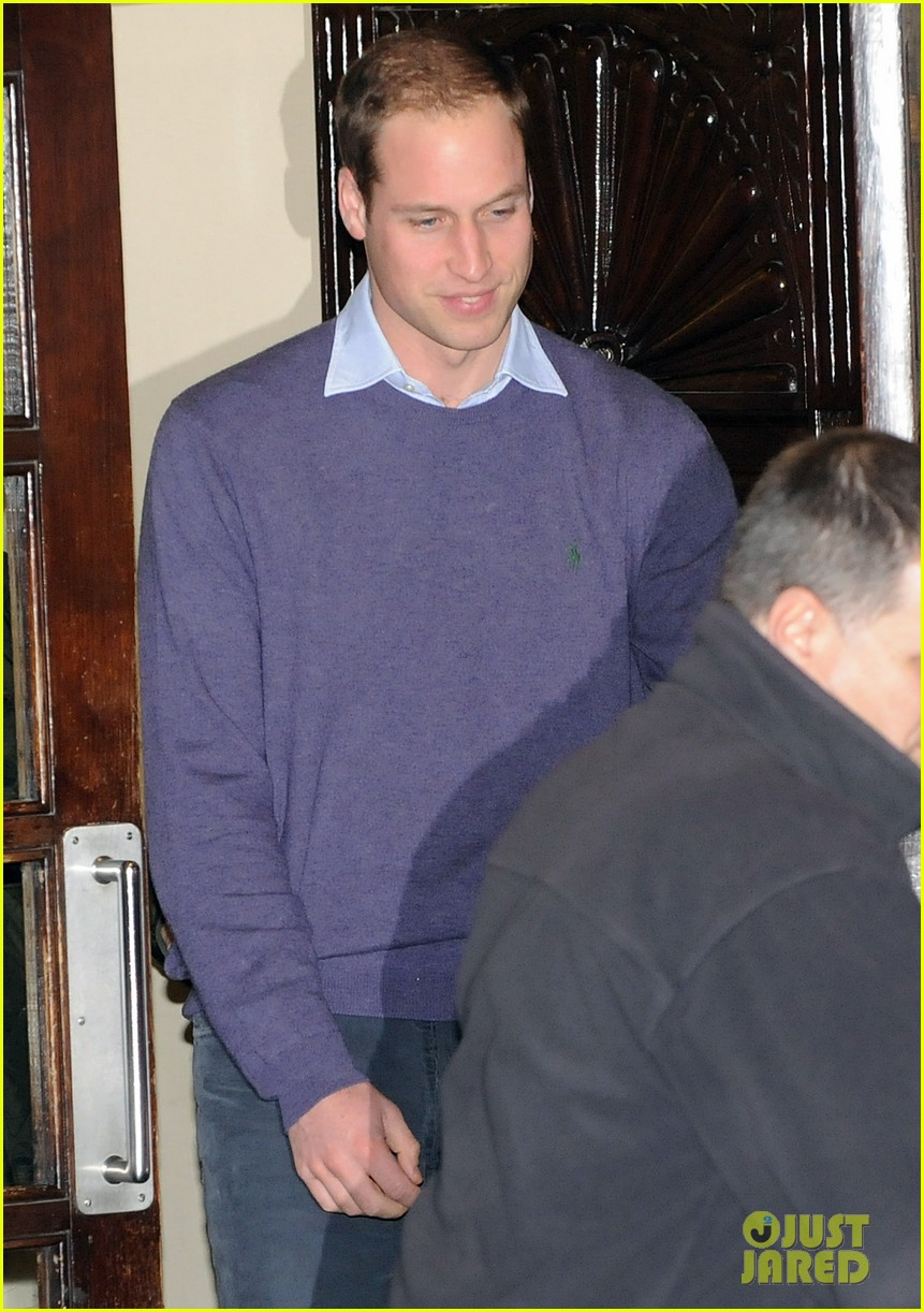 prince william visits pregnant kate middleton in hospital 032769042