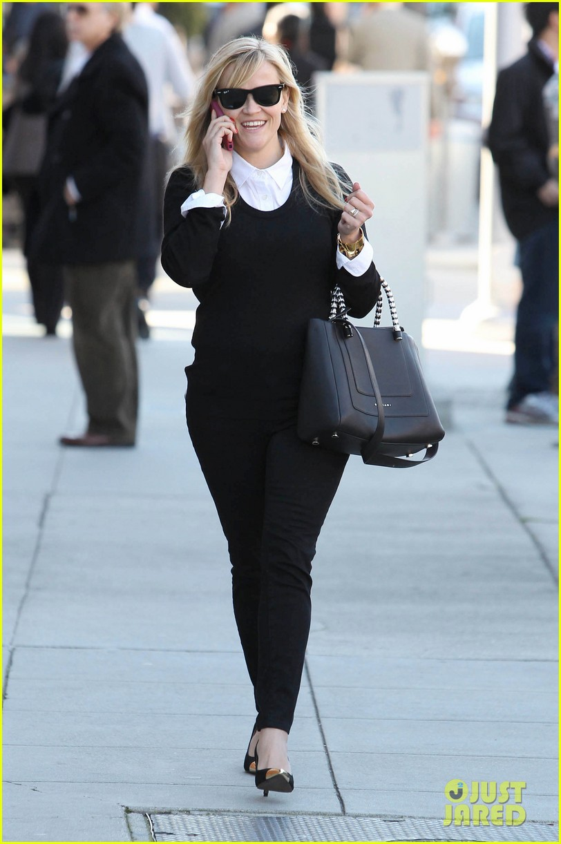 reese witherspoon le pain quotidien lunch 022779013
