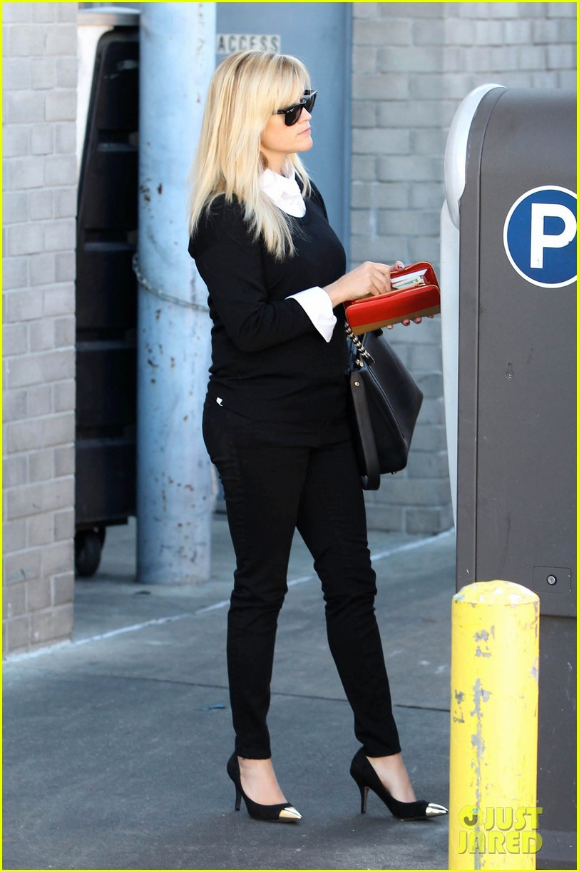 reese witherspoon le pain quotidien lunch 05