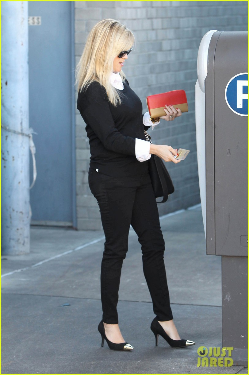reese witherspoon le pain quotidien lunch 082779019