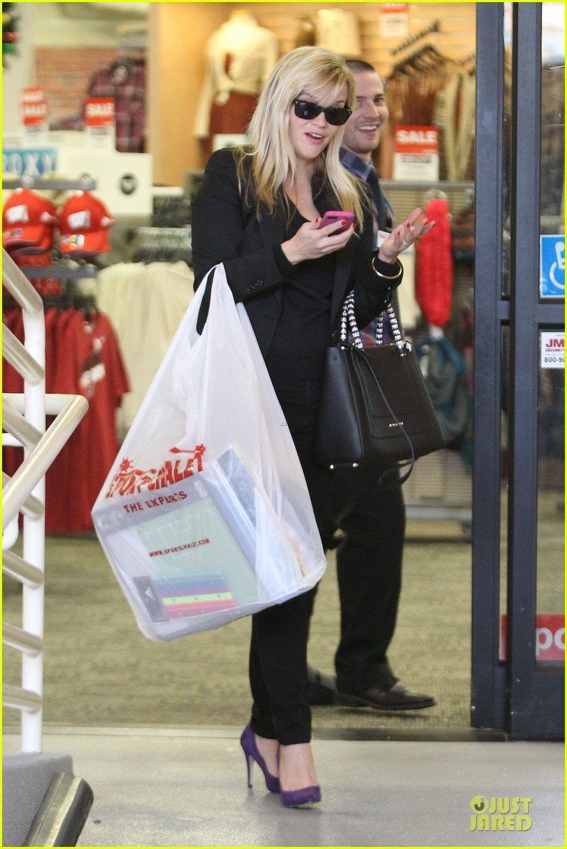 reese witherspoon i couldnt remember the name for refrigerator 162776178