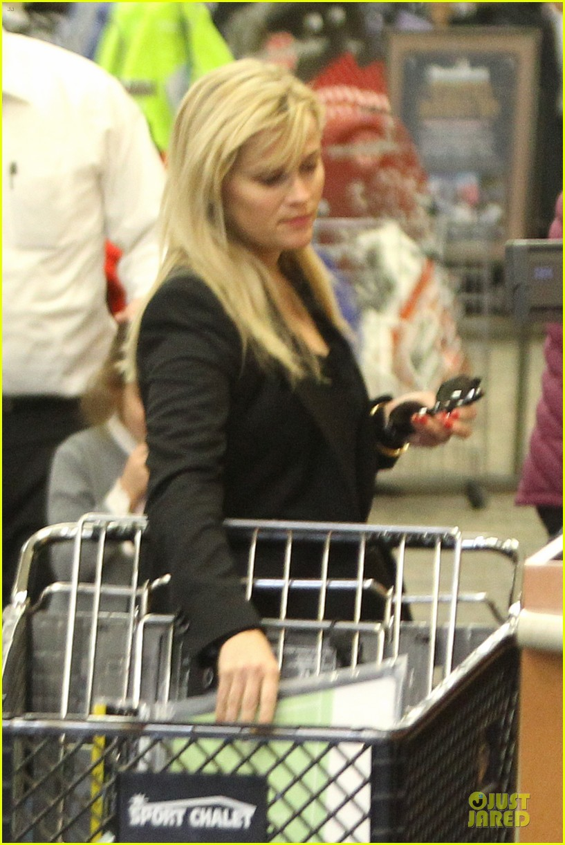 reese witherspoon i couldnt remember the name for refrigerator 242776186
