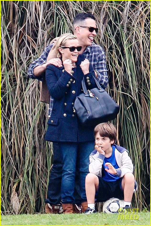 reese witherspoon & jim toth deacons soccer game with ryan phillippe 012771869