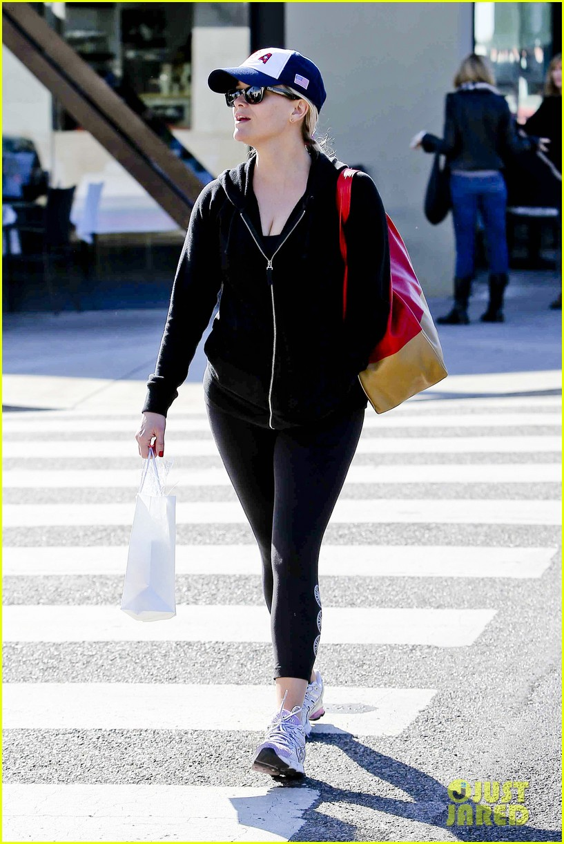 reese witherspoon jim tosh christmas shop 022779516