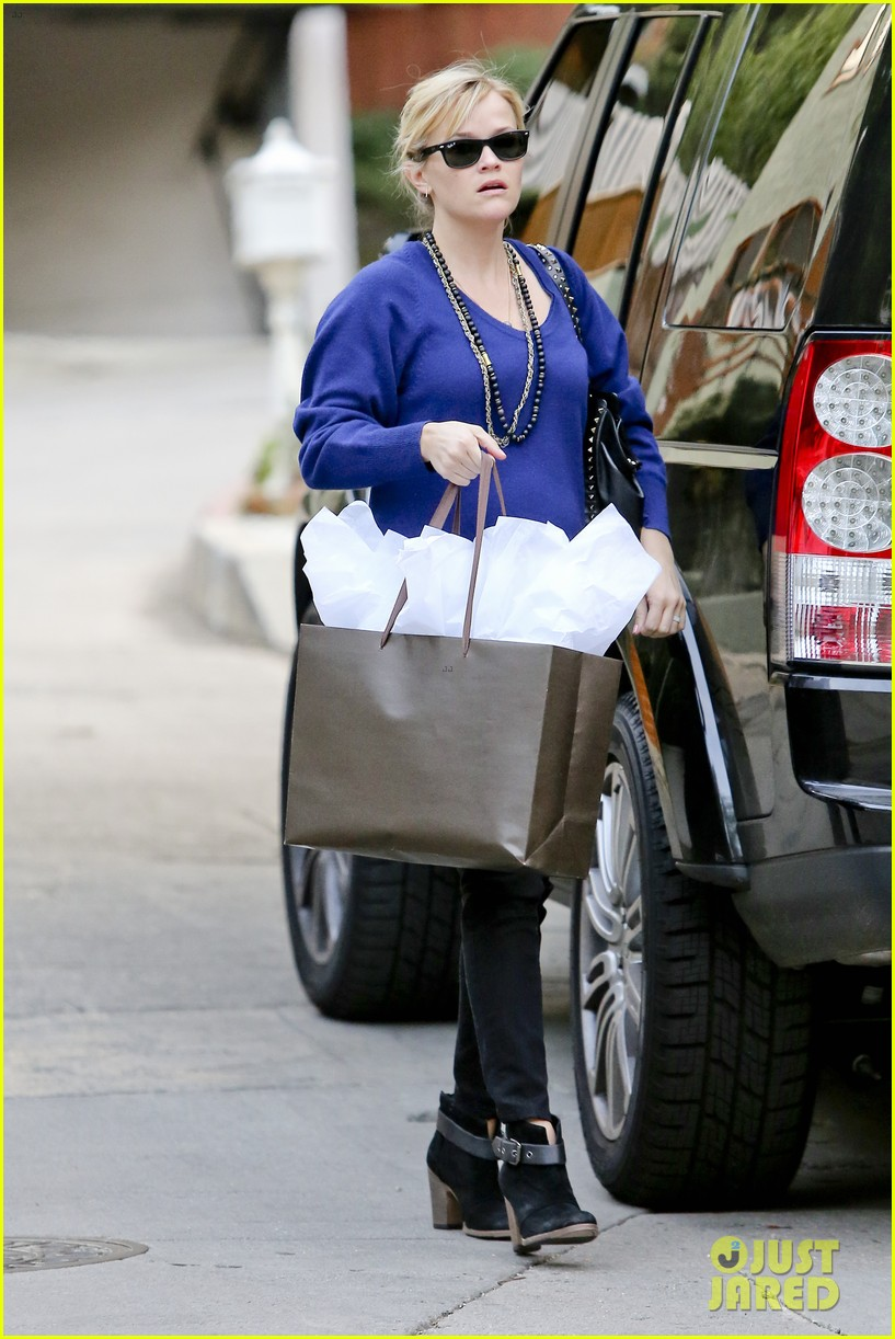 reese witherspoon jim tosh christmas shop 032779517