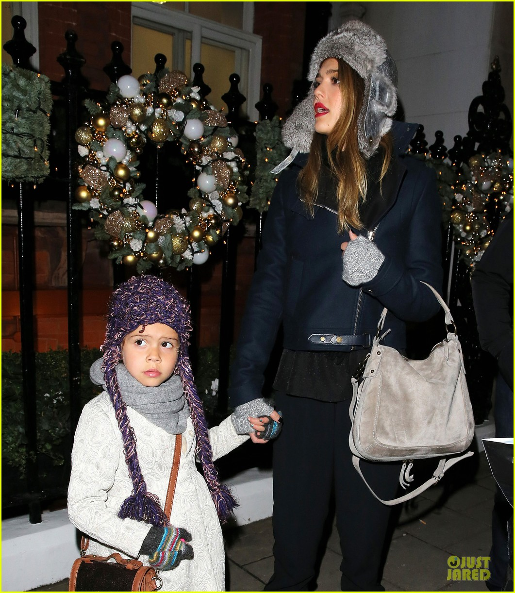 jessica alba had a blast at winter wonderland with honor 052769496