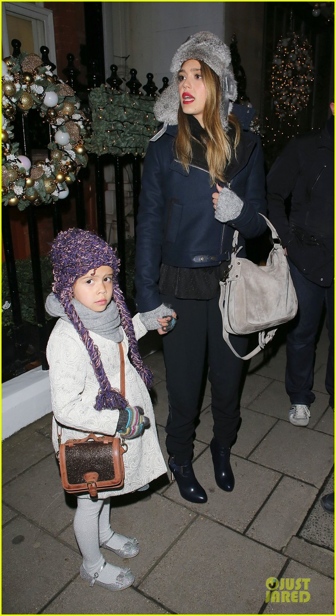 jessica alba had a blast at winter wonderland with honor 132769504