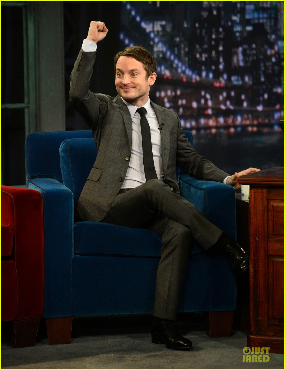 elijah wood late night with jimmy fallon appearance 012771732