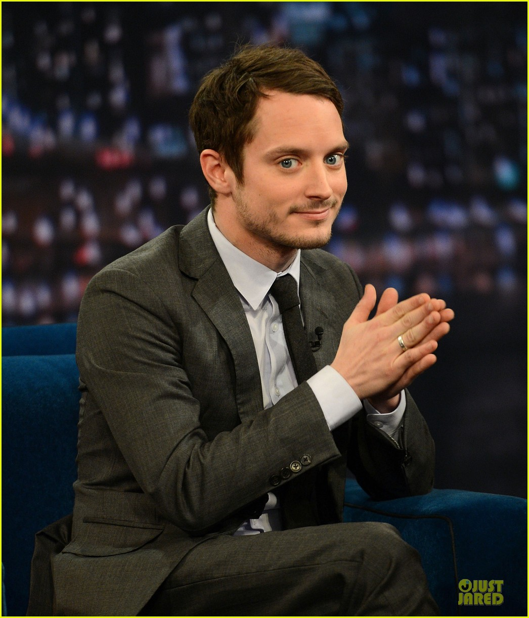 elijah wood late night with jimmy fallon appearance 02