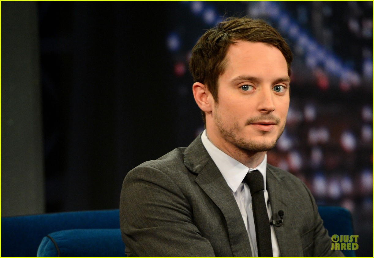 elijah wood late night with jimmy fallon appearance 12