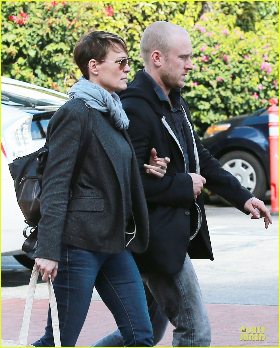 robin wright & ben foster holiday shopping at fred segal 04