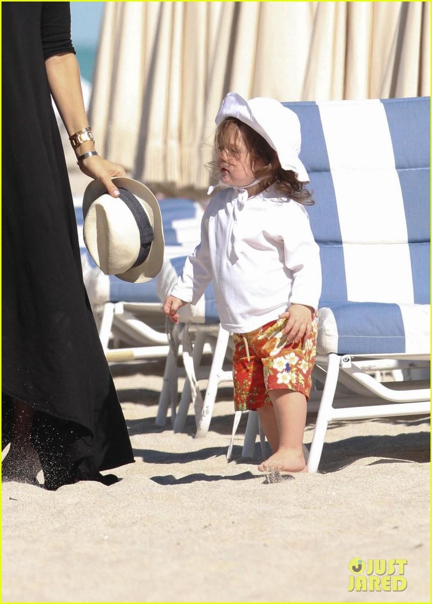 rachel zoe holiday beach vacation with the family 022780491