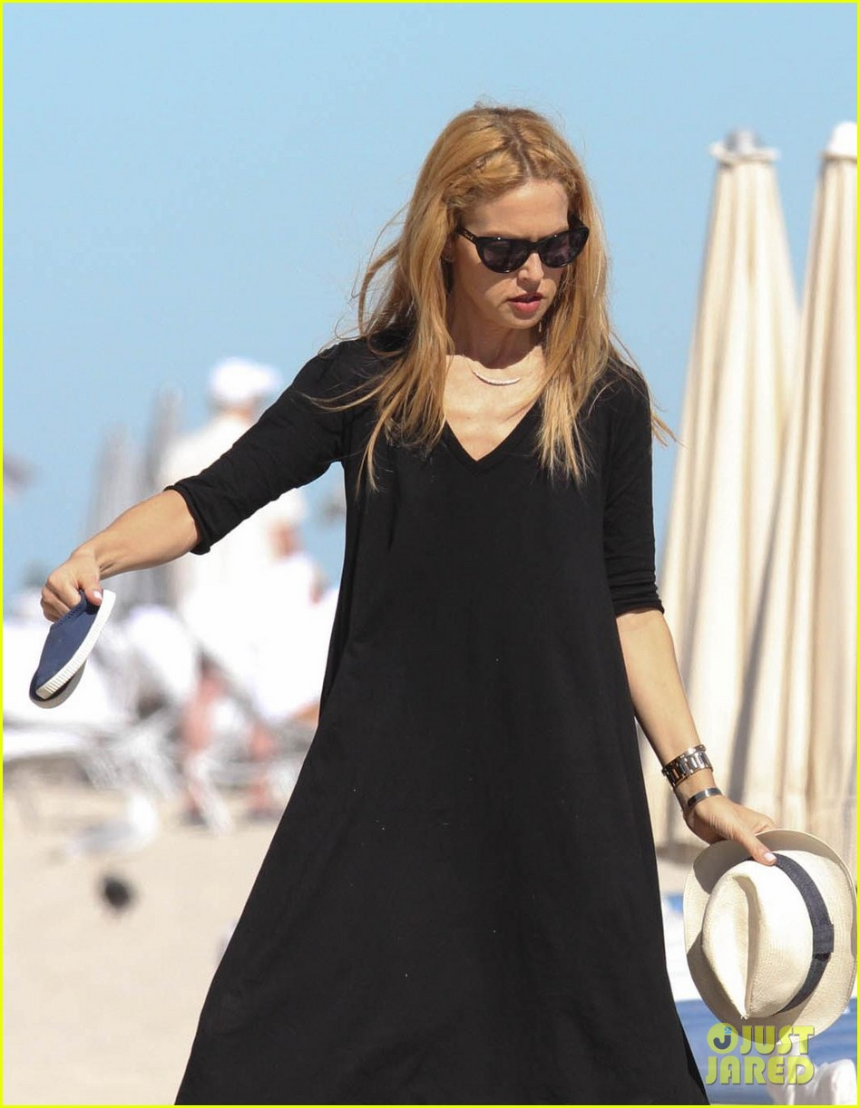 rachel zoe holiday beach vacation with the family 032780492