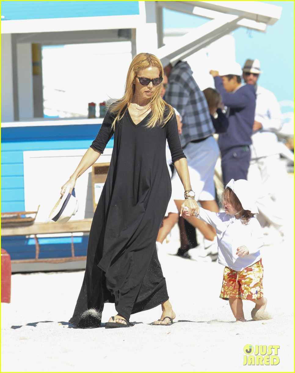 rachel zoe holiday beach vacation with the family 072780496