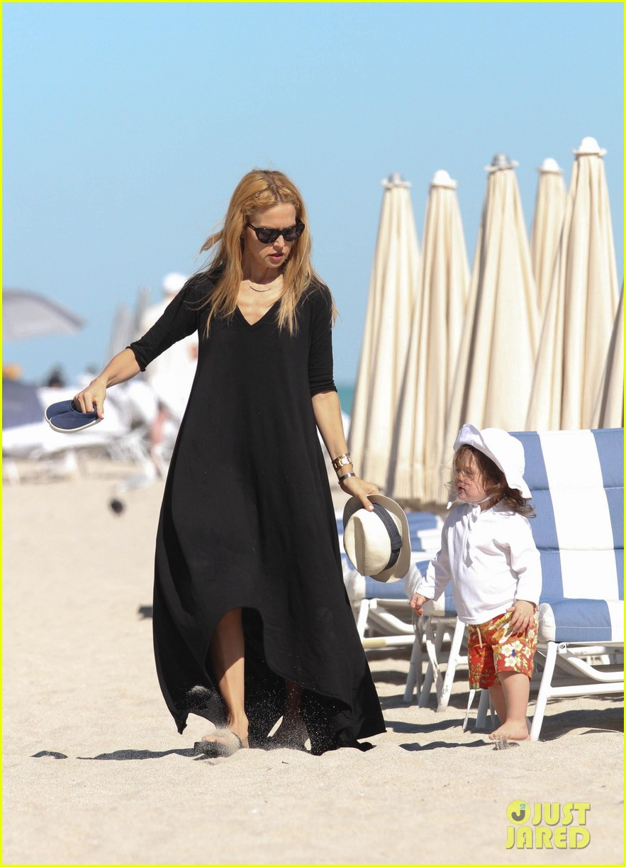 rachel zoe holiday beach vacation with the family 102780499