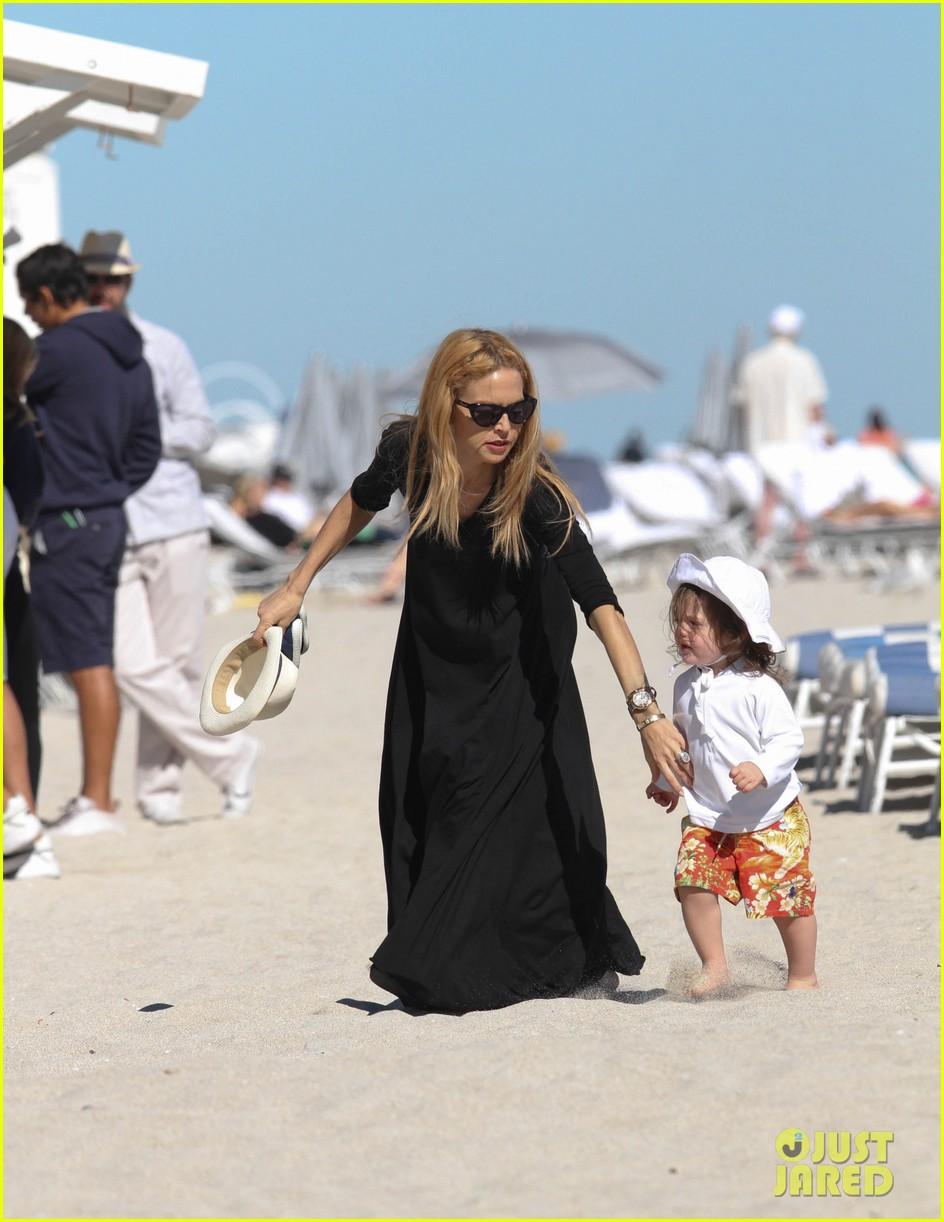 rachel zoe holiday beach vacation with the family 112780500