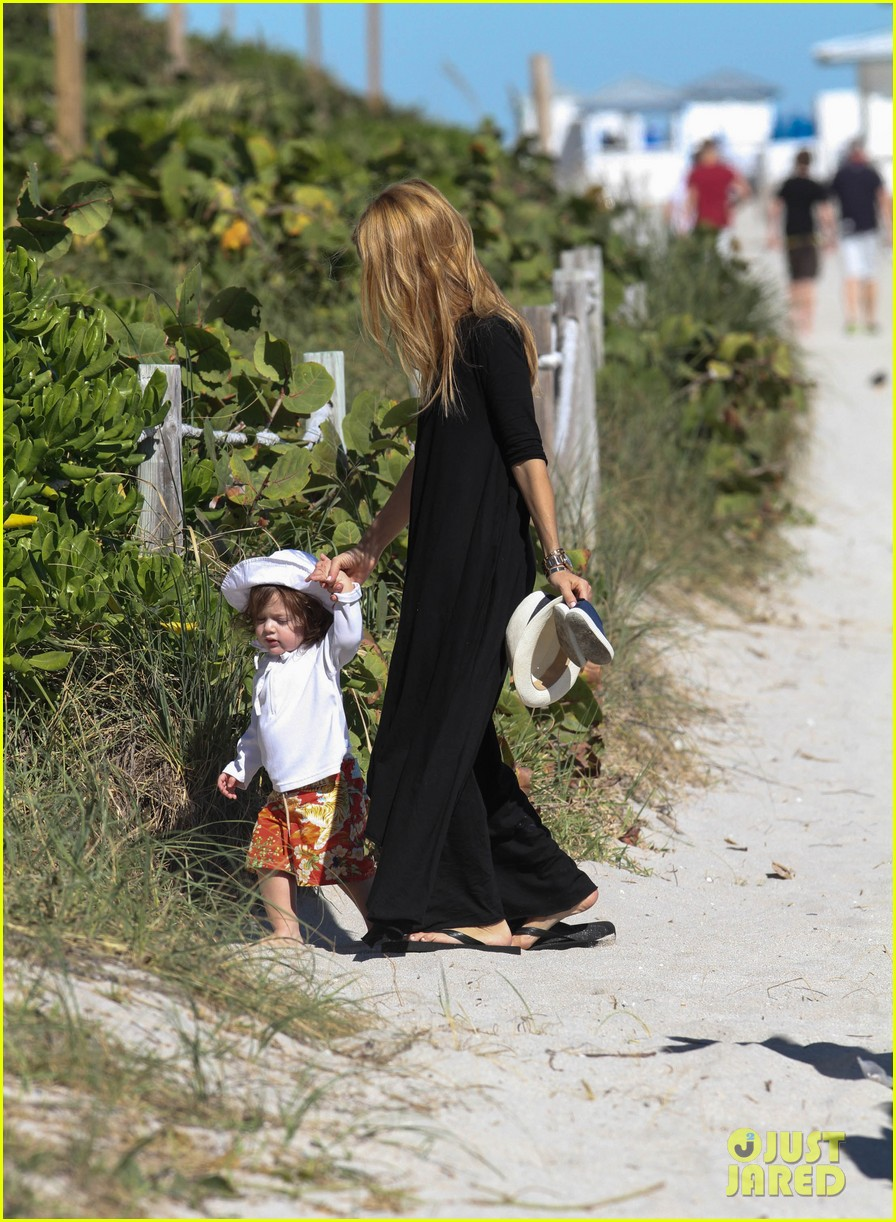 rachel zoe holiday beach vacation with the family 132780502