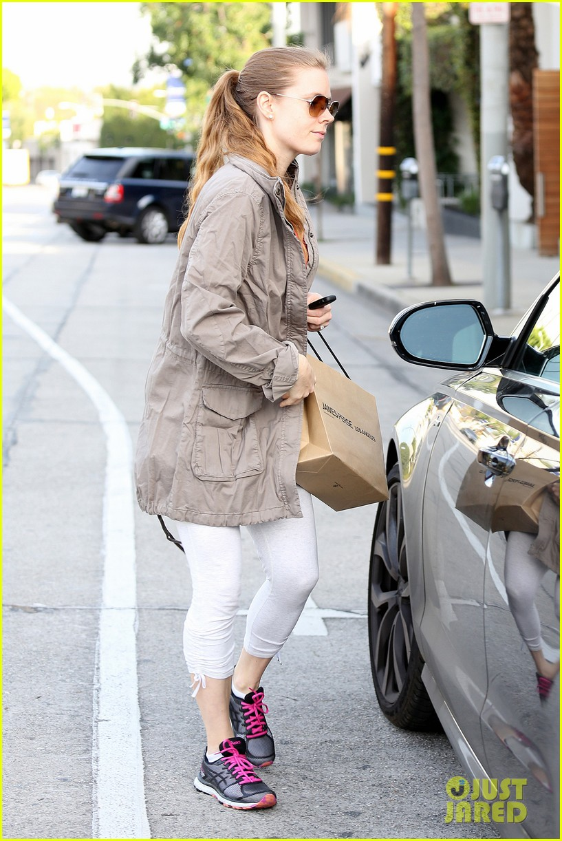 amy adams busy day in west hollywood 03