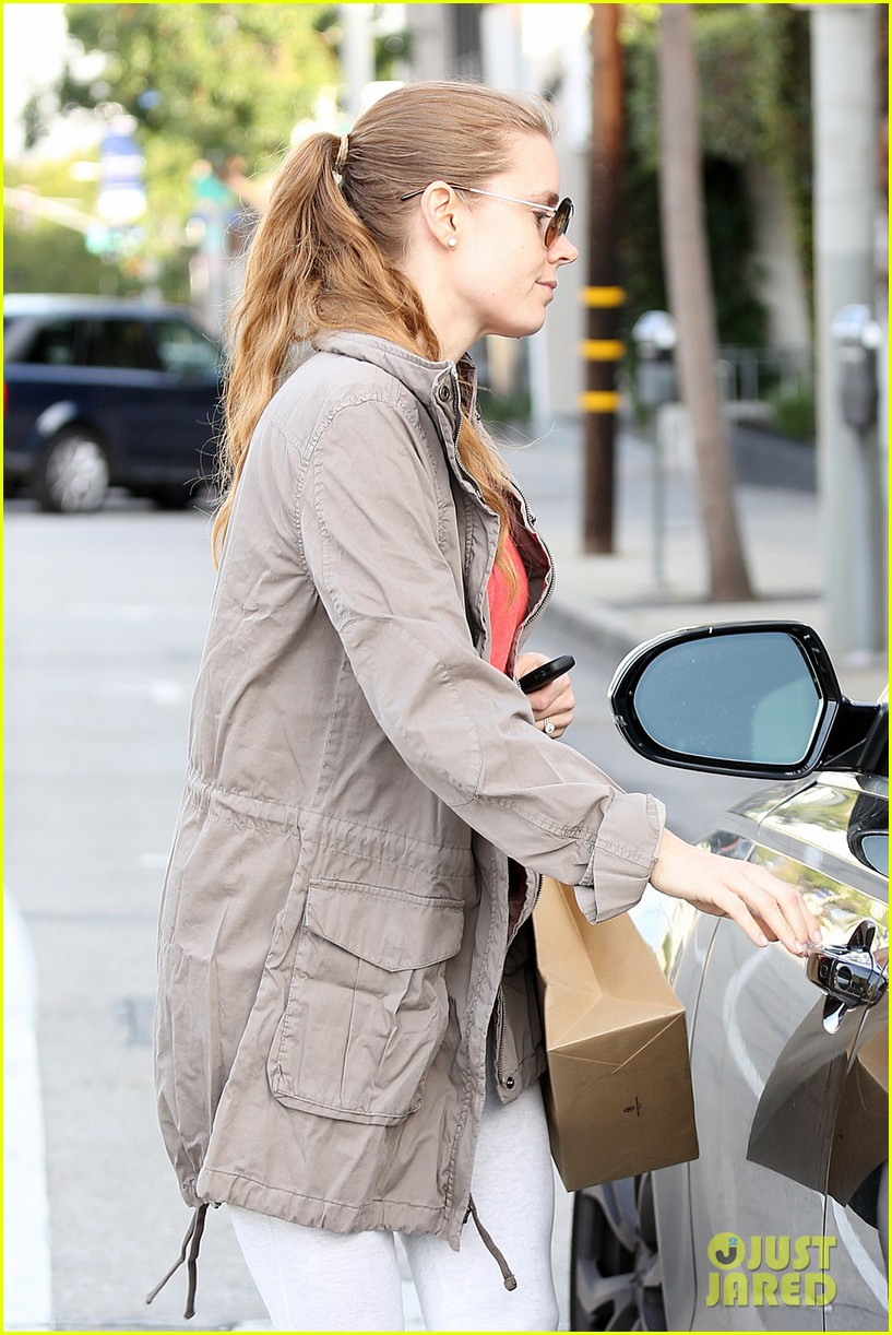 amy adams busy day in west hollywood 162801431