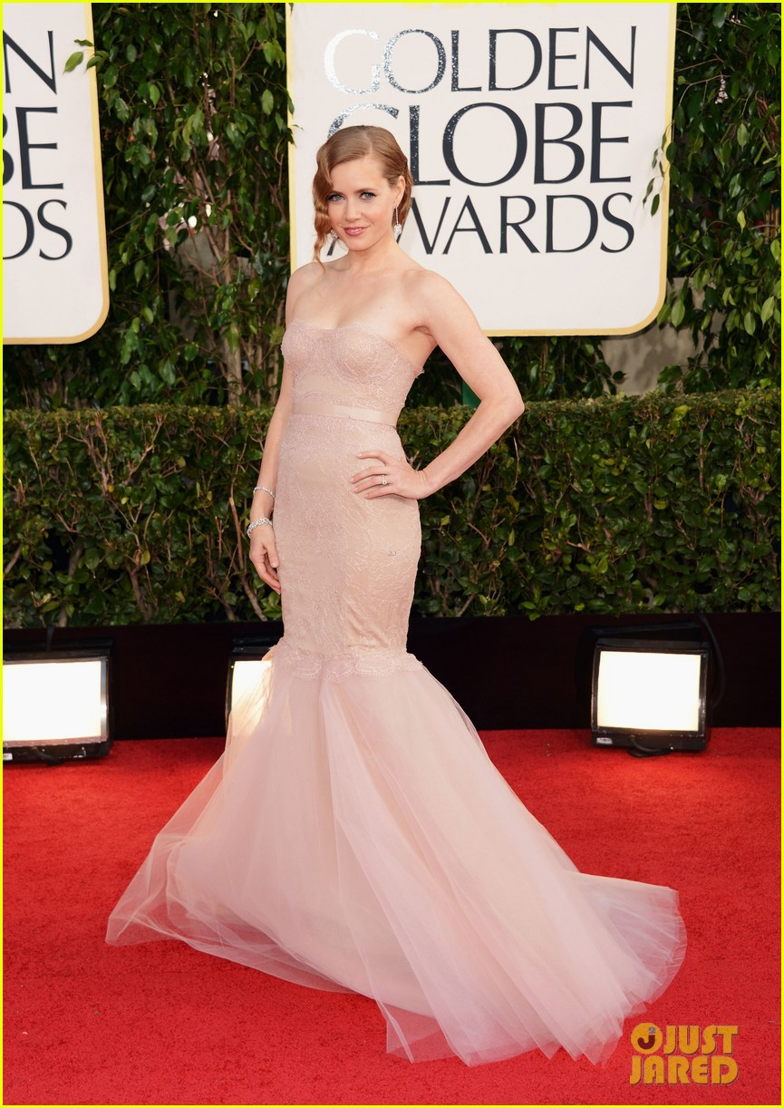 amy adams golden globes 2013 red carpet 062791274
