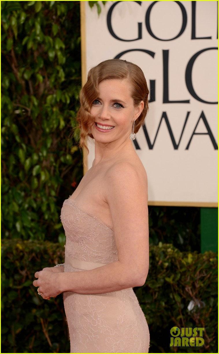 amy adams golden globes 2013 red carpet 092791277