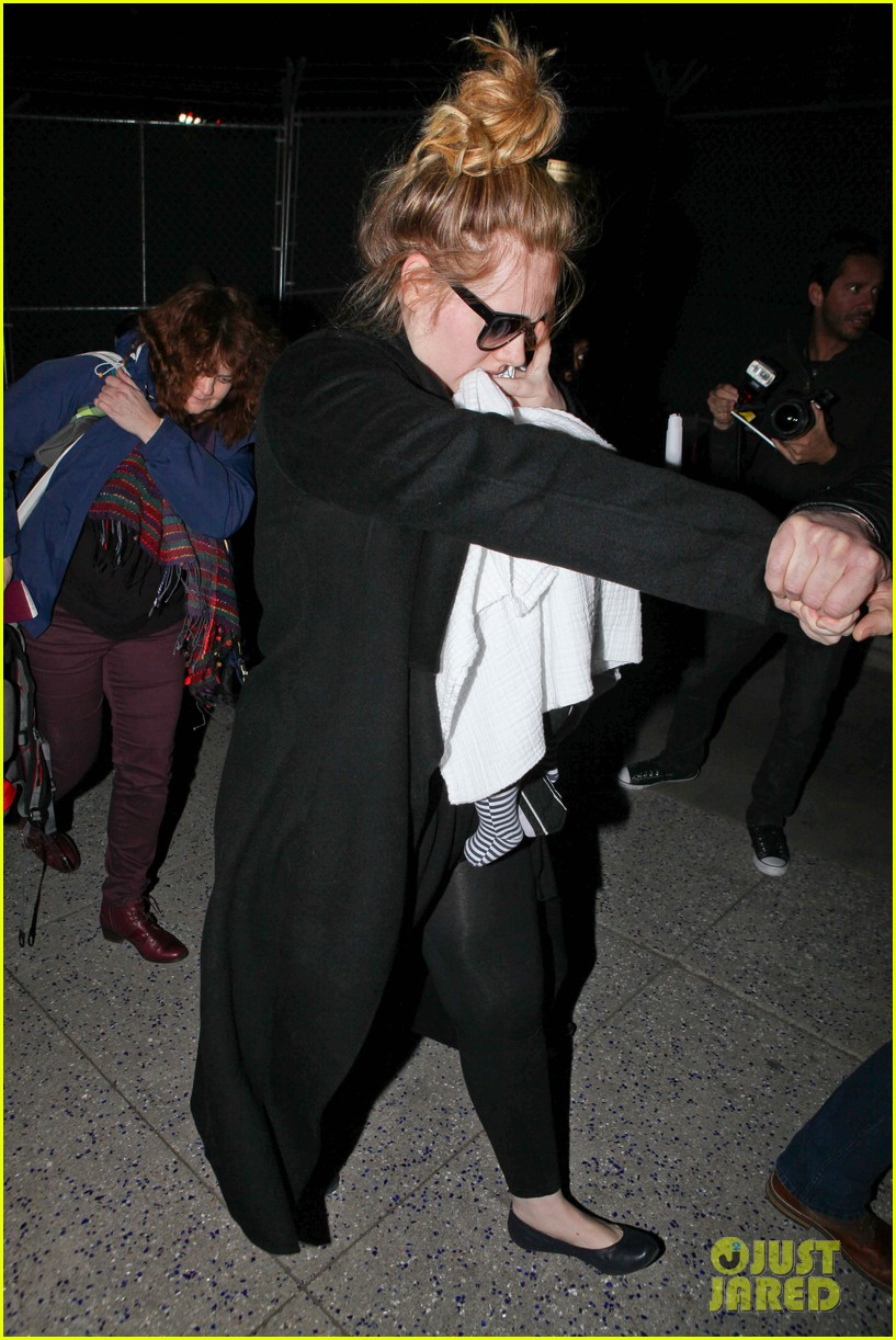 adele baby land in los angeles for golden globes 032788762