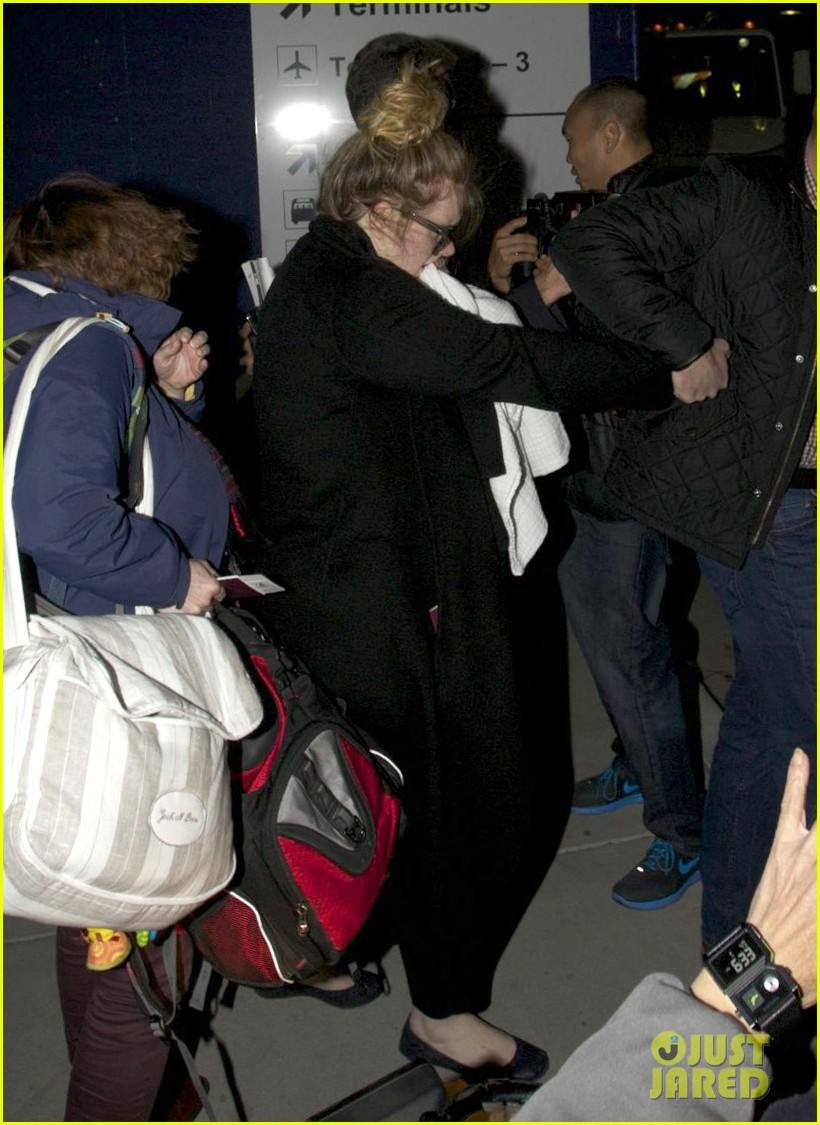 adele baby land in los angeles for golden globes 08