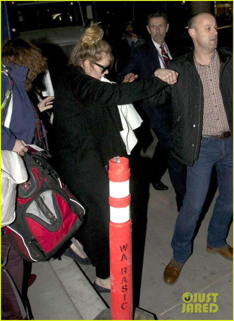adele baby land in los angeles for golden globes 12