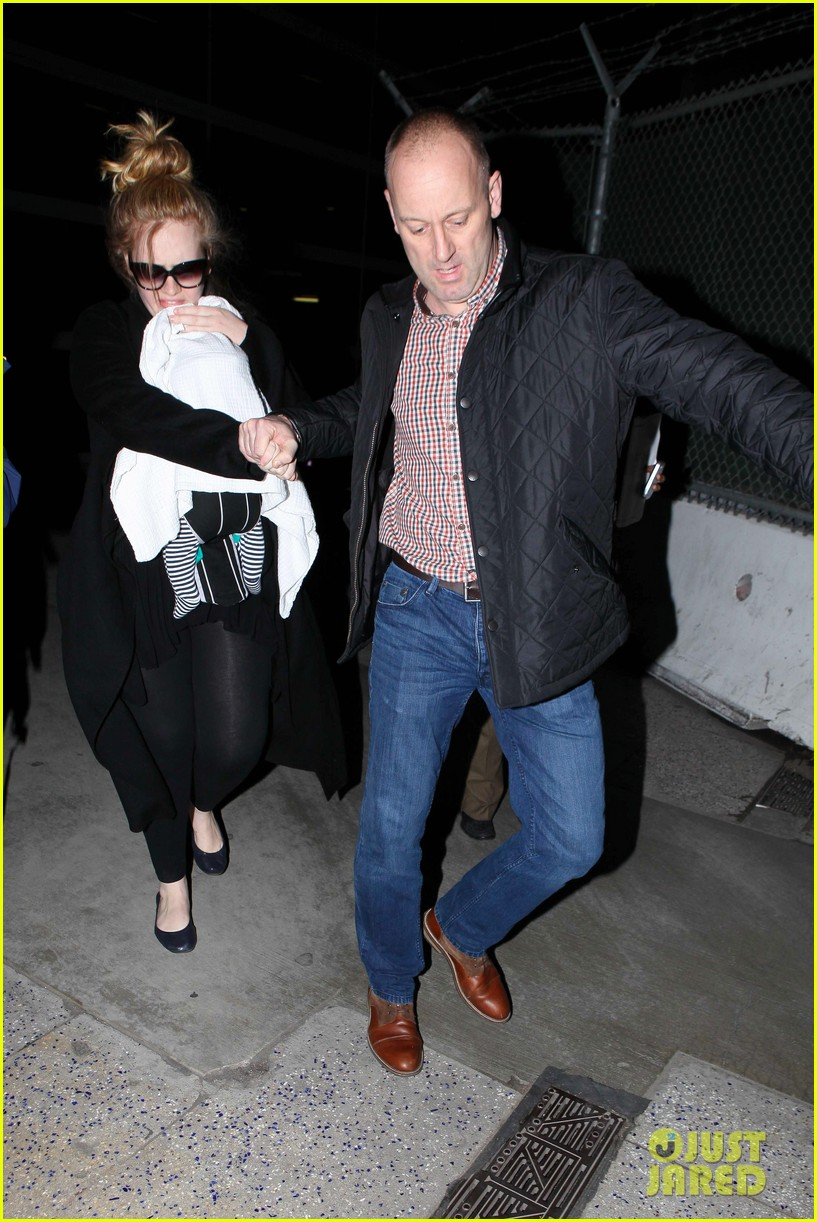 adele baby land in los angeles for golden globes 202788779