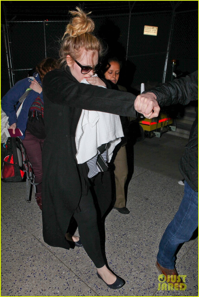adele baby land in los angeles for golden globes 272788786