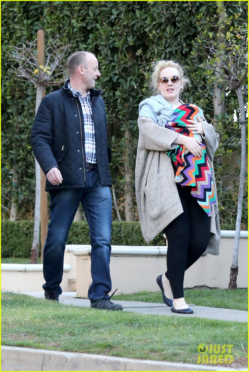adele beverly hills stroll with baby boy 012793275