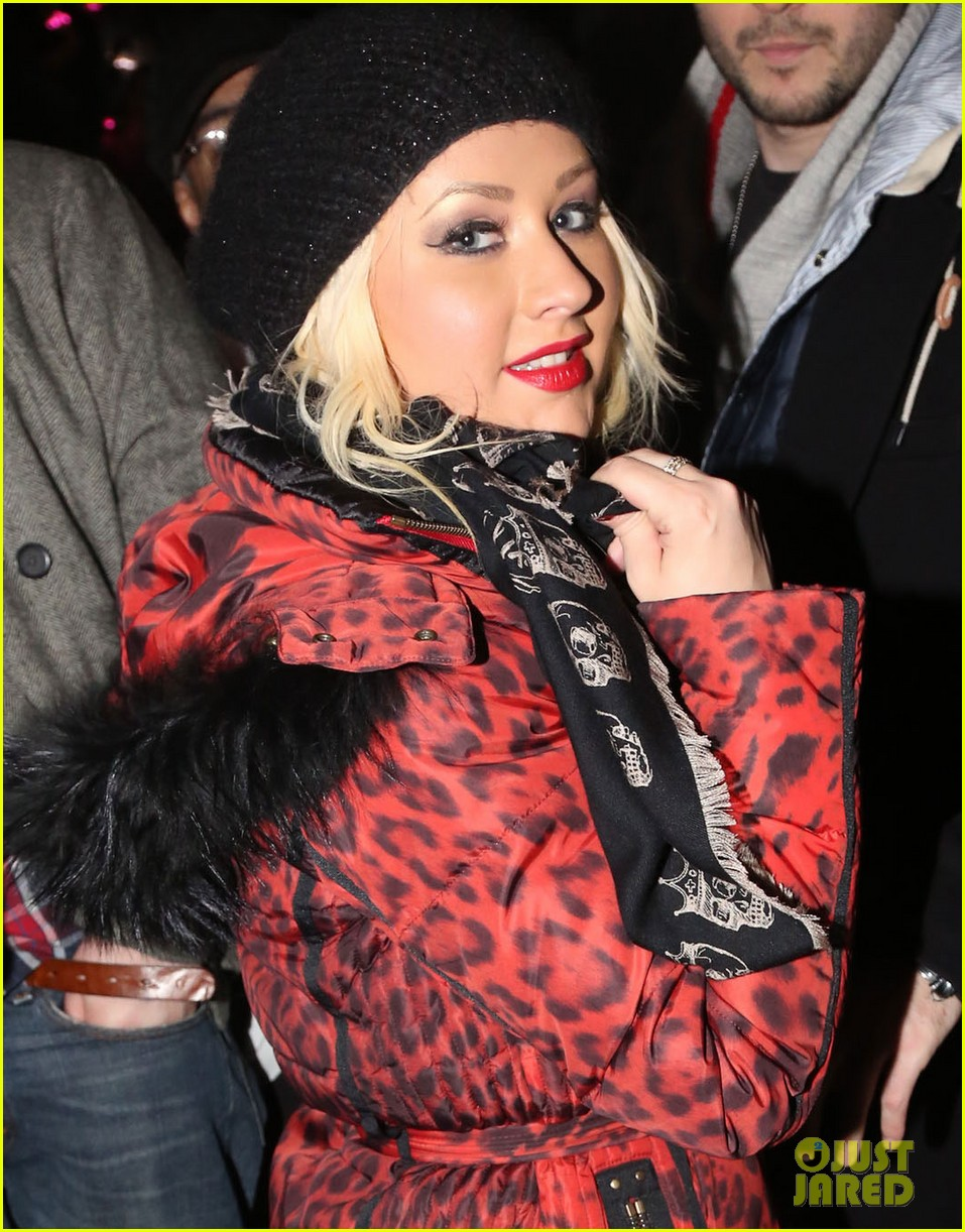 christina aguilera harry styles jay z new years eve concert 052783171
