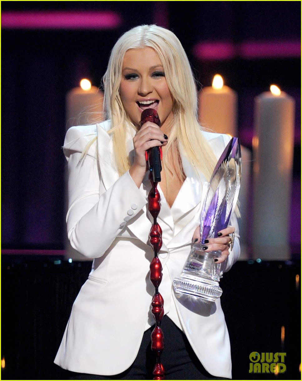 christina aguilera peoples choice 2013 012788038