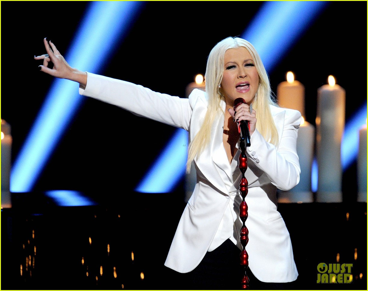 christina aguilera peoples choice 2013 092788046